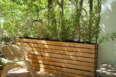 37 Outstanding DIY Planter Box Plans Designs and Ideas - Modern Privacy Planter, Bamboo Planter, Deck Planters, Raised Planter, Large Planters, Bamboo Grass, Fence Plants, Raised Patio, Concrete Planters