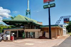 Frank Lloyd Wright Gas Station – Cloquet, Minnesota | Atlas Obscura When the hell am I ever going to get to Cloquet, Minnesota? But is I do, this will be top of list. LOL