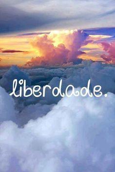 Liberdade significa a capacidade de agir guiado pela alma, e não compelido por desejos e hábitos. Obedecer ao ego leva à escravidão; obedecer à alma traz a libertação.  Paramahansa Yogananda