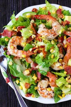 Shrimp, Avocado & Roasted Corn Salad Camarão, Abacate e milho assado, salada Roasted Corn Salad, Corn Avocado Salad, Avocado Salat, Corn Salads, Bacon Avocado, Bacon Salad, Healthy Salads, Healthy Eating, Healthy Recipes
