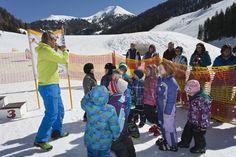 Skilehrer mit Kindern - Sporthotel Frühauf, Österreich - Kärnten Skilift, Fish, Sports, Winter Vacations, Skiing, Hs Sports, Pisces, Sport, Exercise