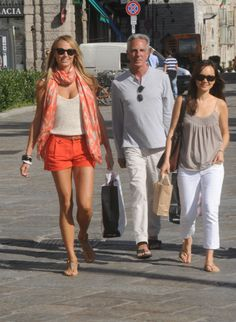 PHOTOS: Stacy Keibler Shows Off Tanned Pins In Orange Shorts   EntertainmentWise
