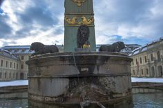 Residenzschloss Ludwigsburg Brunnen im Schlosshof #ludwigsburg