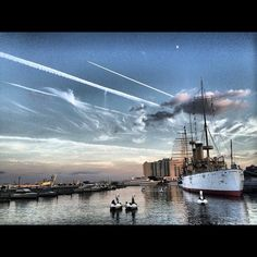 "Gorgeous ! "" ""Penn's Landing Marina by @jobrigandi,"" via Delaware River Waterfront Corp. """