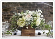 wood box floral centerpiece, kinda what I want