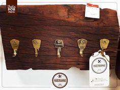Porta chaves super criativo e bonito! • Produto feito 100% com madeira de reaproveitamento.