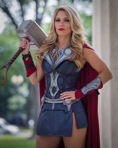 Thor The God of Thunder has been portrayed by the amazing actor, Chris Hemsworth. Here we bring you some of the mind-blowing Lady Thor cosplays. Costume Thor, Costumes Marvel, Female Thor Costume, Cosplay Outfits, Cosplay Girls, Anime Cosplay, Cosplay Ideas, Lady Thor Cosplay, Female Marvel Cosplay