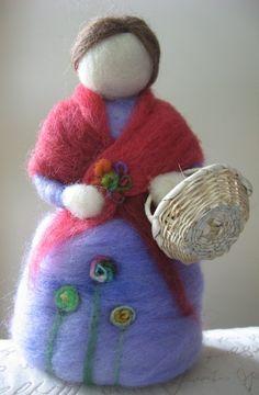 MUÑECAS - El Taller dela Oveja Wool Dolls, Felt Dolls, Felt Ornaments, Christmas Ornaments, Felt Angel, Felt Fairy, Christmas Paintings, Make Your Mark, Felt Animals