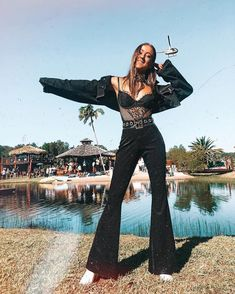 Outfit winter The 35 best fashion looks from Splendour in the Grass Os 35 melhores looks de moda de Splendor in the Grass Festival Looks, Festival Mode, Winter Festival, Festival Wear, Festival Style, Music Festival Outfits, Coachella Festival, Black Festival Outfit, Music Festival Fashion
