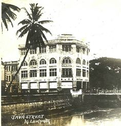 Whiteway Laidlaw & Co. Ltd Building located at Java Street (now Jalan Tun Perak) with the Gombak River flowing at the foreground of the photo. Photo taken in the . Straits Settlements, Kuala Lumpur, Original Image, Louvre, Culture, History, Building, Java, Travel