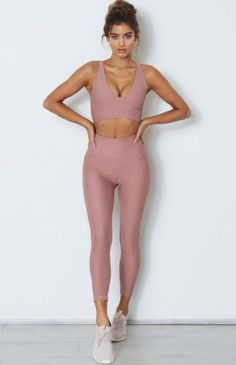 pin spasterfield Visit for more womens active wear outfits summer athletic fashion spring sports style inspo cheap workout clothes sale affordable yoga clothing for wom. Legging Outfits, Leggings Outfit Fall, Yoga Outfits, Sport Outfits, Cute Workout Outfits, Womens Workout Outfits, Pink Leggings, Yoga Leggings, Tights