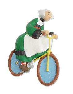 Bécassine à vélo Luigi, Bike, Photos, Christmas Ornaments, Comics, Point, Holiday Decor, Fictional Characters, Comic Character