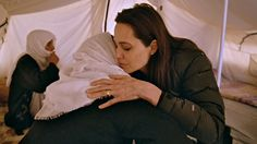 Angelina Jolie talks to Amusha, a refugee affected by Isis violence in northern Iraq.