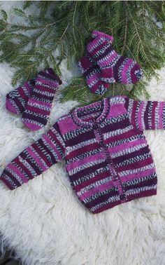 Vauvan neuletakki, sukat ja lapaset