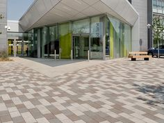 La Linia paving -Education Projects www.marshalls.co.uk
