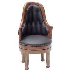 trad ok 14 George Washington Swivel Chair