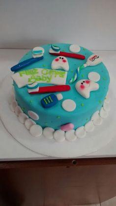 Pide una torta como esta para tu dentista favorito! #sosweet #tortas #pastelería #repostería #pastryshop #pastry www. SoSweet.com.co