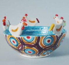 Ceramica Artistica  Zuppiera in Ceramica lavorata e decorata a mano, da Terre di Scirocco  Diametro cm 19 - Altezza cm 11,50  Maggiori info su: http://www.keramos.it  Per contatti diretti: info@keramos.it    Ceramic Art  Ceramic soup bowl carved and decorated by hand, by Terre di Scirocco  Diameter 19 cm - Height 11.50 cm  More info on: http://www.keramos.it  Direct contact: info@keramos.it