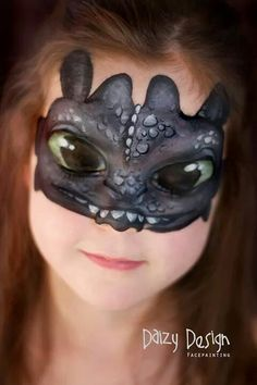 I like this idea but not the eyes. I prefer to do designs that look great with the eyes open. otherwise this is a cute toothless