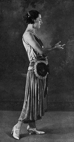 Les Modes (Paris) November 1925 robe du soir par Jeanne Lanvin