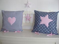 süße elegante Kissen von Babypullover-Dekoration auf DaWanda.com