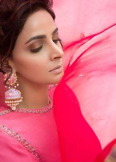 Pakistani Dresses Casual, Pakistani Dress Design, Embroidery Suits Punjabi, Embroidery Dress, Traditional Fashion, Traditional Outfits, Kurta Patterns, Bridal Henna Designs, Stylish Suit