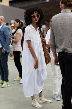 Outfits and Looks, Ideas & Inspiration thehappynegro: The Sartorialist - Go to Source - The Sartorialist, Minimalist Street Style, Look Street Style, Street Styles, Minimalist Fashion, Style Noir, Mode Style, Looks Style, Style Me