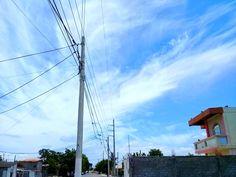 L cielo de La Libertad, Santa Elena. fotografía de Johnny Chunga @johnnychunga Ecuador #fotografia #johnnychunga #viajes Salinas Ecuador, Utility Pole, Fair Grounds, Beach, Fun, Travel, Political Freedom, Destiny, Sky