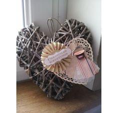 Idée Créative - Décorer votre sapin de Noël avc un coeur en bois
