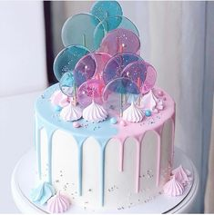 amazing cakes pink and blue candy melt cake with sprinkles Gorgeous Cakes, Pretty Cakes, Cute Cakes, Amazing Cakes, Crazy Cakes, Fancy Cakes, Bolo Tumblr, Gateau Baby Shower, Cute Birthday Cakes