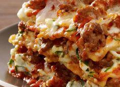 Recette : Lasagne à la saucisse italienne. Pasta Noodles, Batch Cooking, Homemade Pasta, Love Food, Catering, Easy Meals, Food And Drink, Nutrition, Pizza Lasagna