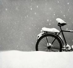 I love snow, even on a bicycle! I Love Snow, I Love Winter, Winter Fun, Winter Snow, Foto Picture, Snow Photography, Snowy Day, Wintry Weather, Cold Weather