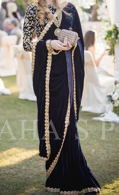 Best Ideas Party Outfit Ideas For Women Winter Schools Shadi Dresses, Pakistani Formal Dresses, Pakistani Dress Design, Stylish Dresses For Girls, Stylish Dress Designs, Designer Party Wear Dresses, Indian Designer Outfits, Saree Wearing Styles, Pakistani Fashion Party Wear