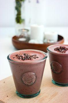 Definisjonen på luksussmoothie? Kirsebærsmoothie med kakao.