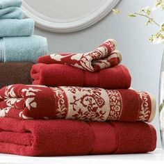 Why not go bold + add some spice to your bath with these BHG Thick & Plush towels in Red Sedona + Butter Pecan?