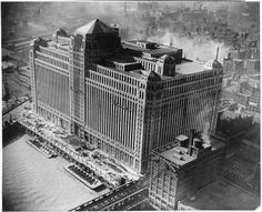 The Merchandise Mart nears completion at the time the worlds largest building with over 4000000 square feet of floor space 1930 Chicago Visit Chicago, Chicago City, Chicago Skyline, Chicago Illinois, Chicago School, Chicago Pictures, My Kind Of Town, Second Empire, Beautiful Architecture