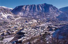 Login or create an account to the Virtual Ham Radio transceiver Andorra, Ham Radio, Mount Everest, City Photo, Around The Worlds, Mountains, Nature, Travel, Naturaleza