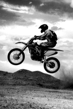 Can't wait to finally hit the dirt with friends in the desert!!