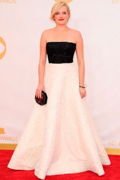 Elisabeth Moss taught us a lesson in monochrome couture in this wonder by Andrew Gn.