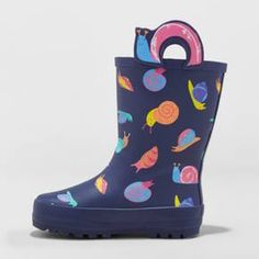 Your little one will have a blast stomping and splashing in puddles with these Toddler Snail Rain Boots from Cat and Jack™. The pull-on style and snail handles make them easy to take on and off, so you can quickly prepare your tyke for a rainy day. The rubber outsole also keeps socks and pants hems dry, which keeps your darling warm and happy.