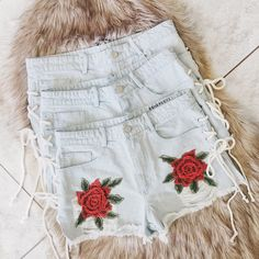 14699785e2480f High Waist Distressed Shorts W  Floral Patch Detail Floral Patches