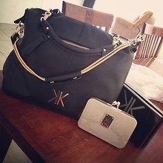 Kardashian Kollection - perfect daily bag for me Mk Purse, Kardashian Kollection, New Bag, Clutch Wallet, Handbag Accessories, Purses And Handbags, Fashion Bags, Shoulder Bag, Shoe Bag