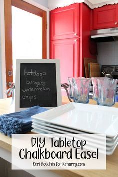 A DIY mini standing chalkboard easel is a cute way to organize your weekly meal plan, label the buffet at a cookout, or decorate your home. Whether you're looking for a cute way to display your weekly meal plan or you want to write out a custom list for a cookout, this mini standing chalkboard easel is the perfect DIY. #IdeasForTheHome #Kenarry Chalkboard Stand, Chalkboard Easel, Woodworking Projects For Kids, Diy Woodworking, Homemade Chalkboard, Restaurant Advertising, Handmade Wooden Toys, Planning And Organizing, Spring Crafts