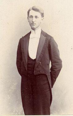 men's eveningwear from 1890s
