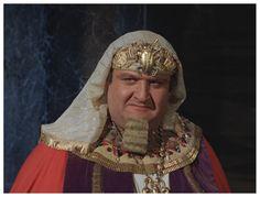 Victor Buono as King Tut.