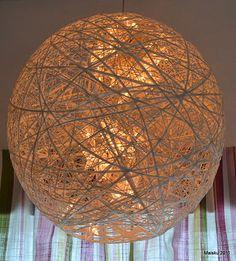 Maiskun Käsistä: Tunnelmallinen paperinarupallo Table Lamp, Craft Ideas, Paper, Crafts, Home Decor, Lamp Table, Manualidades, Decoration Home, Room Decor
