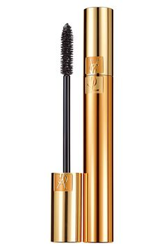 Luxurious mascara for a false lash effect. An intense look in a single stroke. The secret? A triple-film complex: a coating film for intensity, a conditioning film for curve and a fixing film for long-lasting effectiveness.
