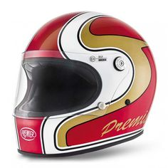 So you've got your classic seventies motorcycle and you also want to look the part! This is where Premier helmets stepped in with their seventies inspired Trophy helmet. Taking its styling from that era, the Trophy is a no fuss, retro, full face helmet with all the modern protection and technology in place.