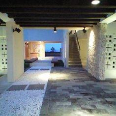 okinawa-kouri 02 沖縄古宇利島の完全貸切リゾートホテル「ONE SUITE」 (リゾート感溢れるエントランス)
