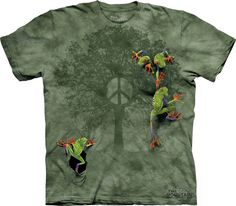 The Mountain T-Shirts - isn't this the CUTEST frog t-shirt????  It's 3-D!!